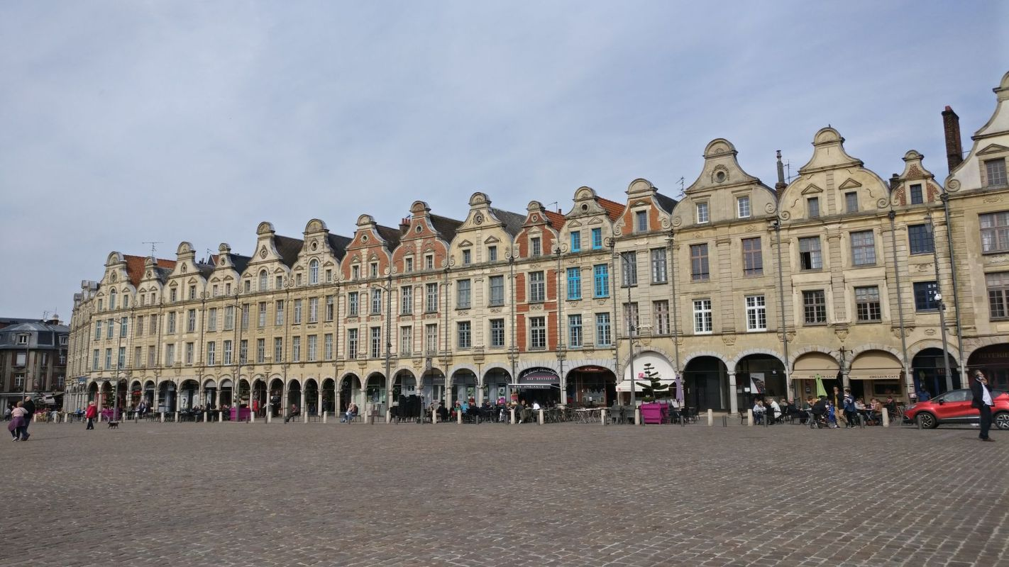 Place des Heros Arras