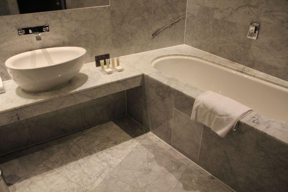 The Marker Dublin Deluxe Room Bathroom
