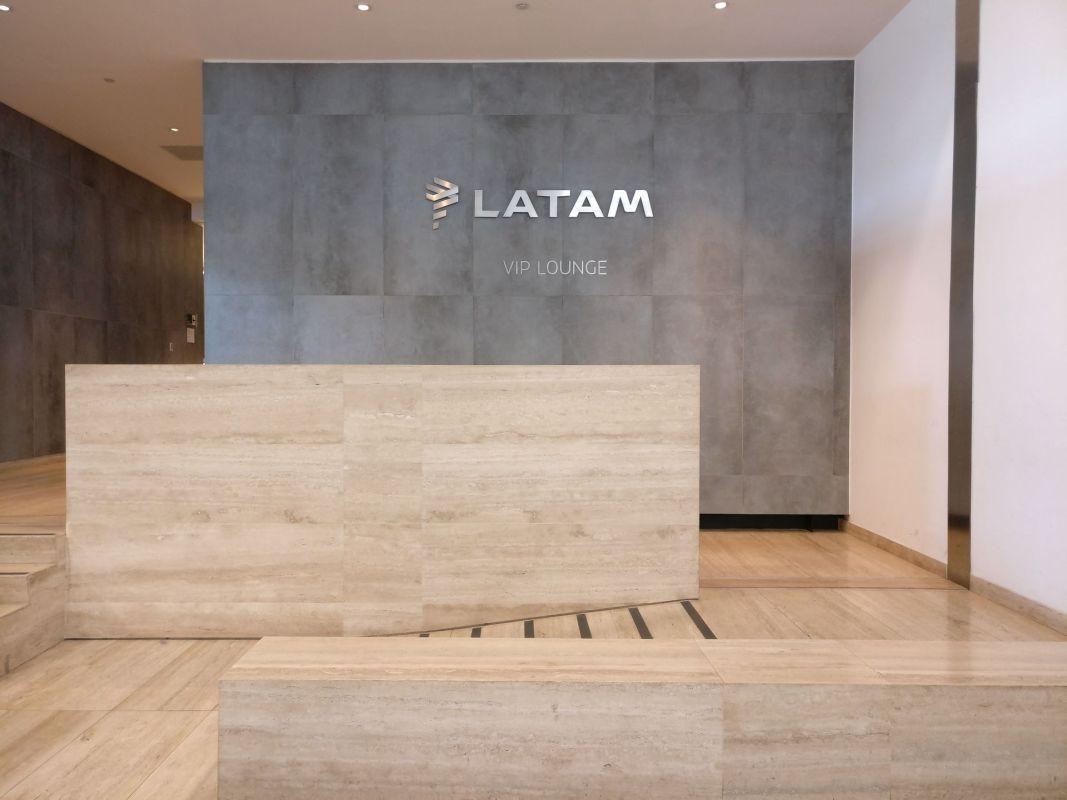 LATAM Lounge Santiago Entrance
