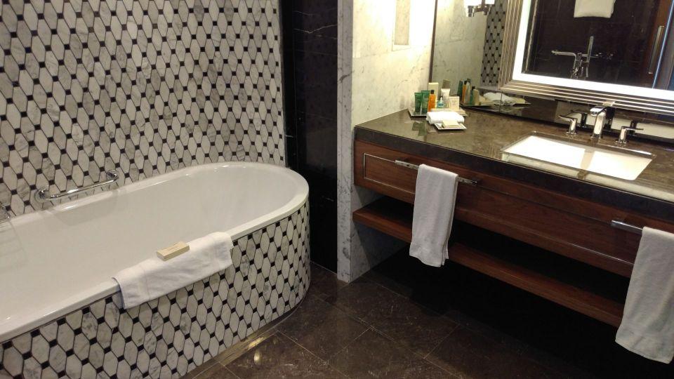 Hilton Bomonti Istanbul Executive Suite Master Bathroom