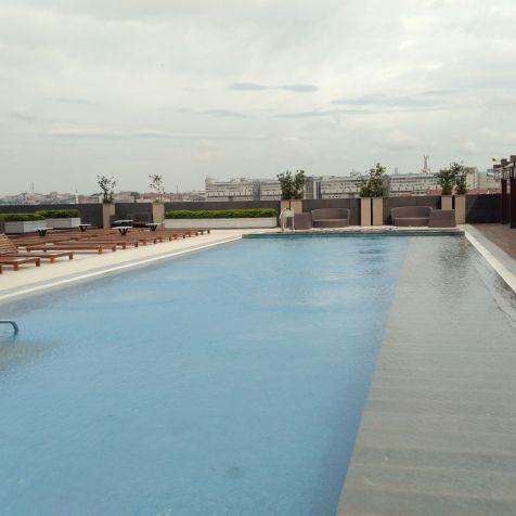 Hilton Bomonti Istanbul Outdoor Pool