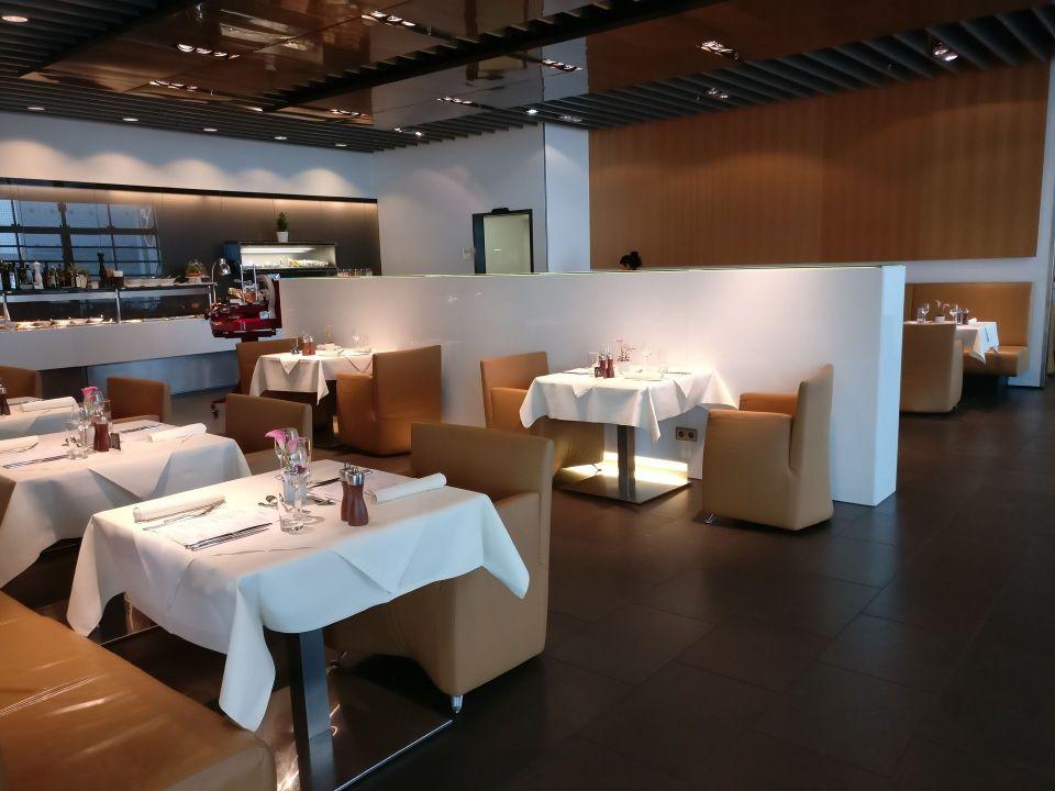 Lufthansa First Class Lounge Frankfurt A Restaurant