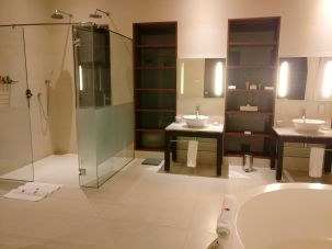 Hilton Seychelles Labriz Resort Deluxe Hillside Pool Villa Bathroom