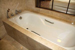 Hilton Petaling Jaya Guestroom Plus Bathroom