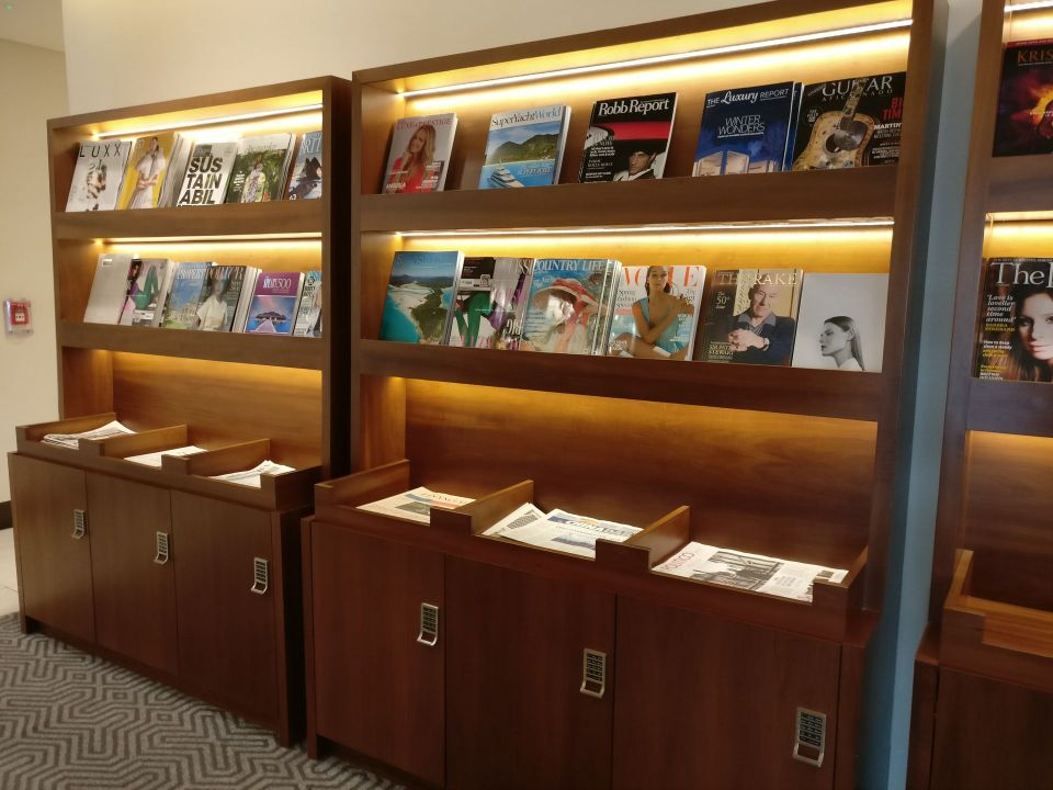 Singapore Airlines Lounge London Heathrow Magazines