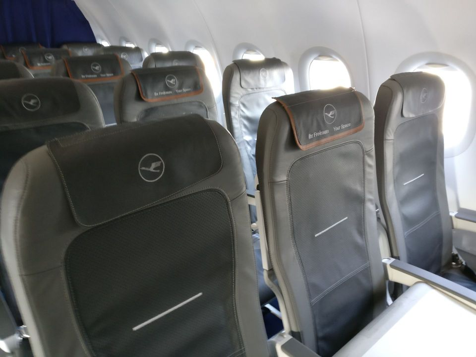 Lufthansa medium haul Business Class Seat