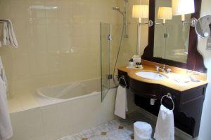 Grand Hotel Beauvau Marseille Duplex Suite Bathroom