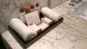 Trianon Palace Versailles Waldorf Astoria Pavillion Room Bathroom