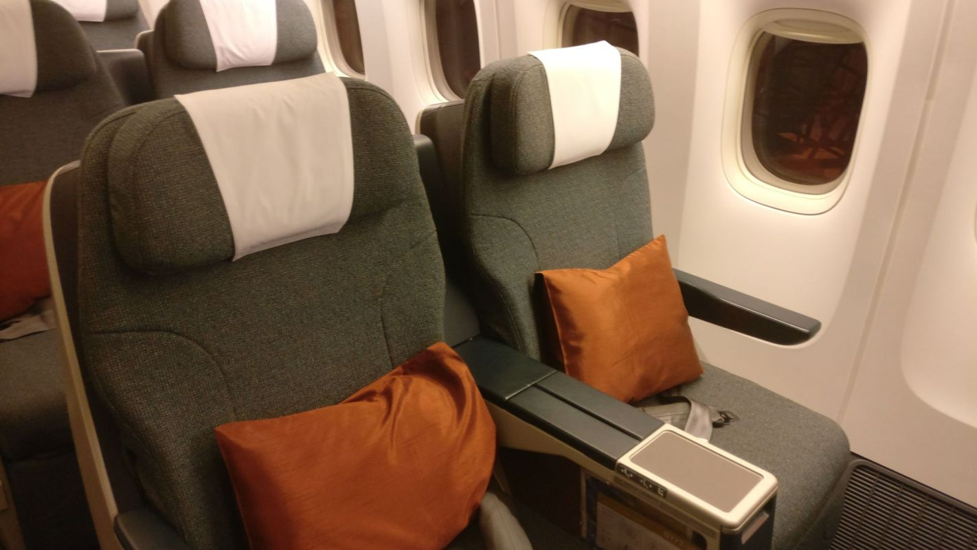 Cathay Pacific Business Class Boeing 777-300 Seat
