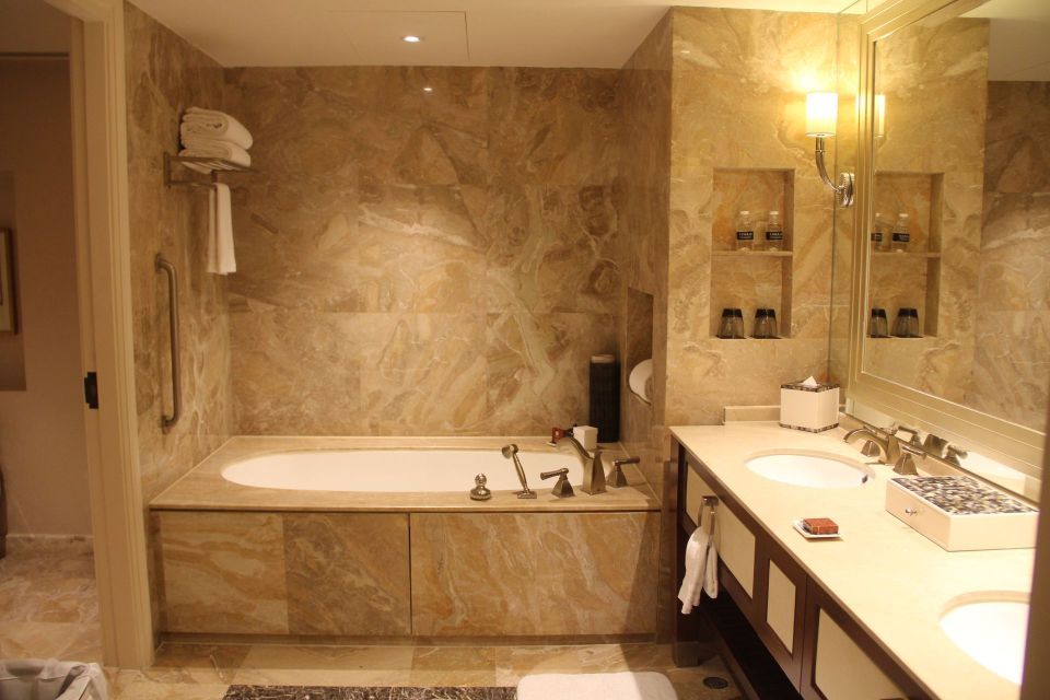 Conrad Macao Deluxe Suite Bathroom