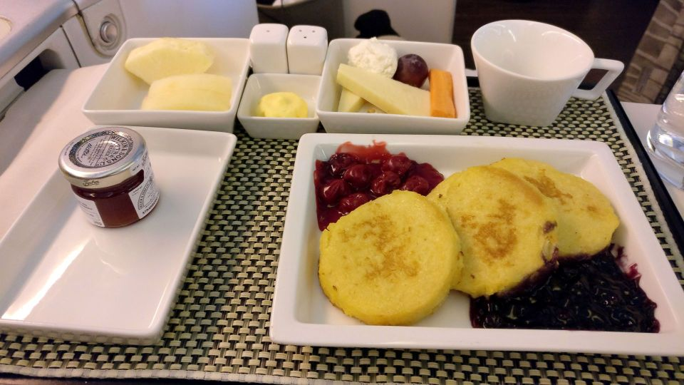 Saudia Business Class Boeing 777 Breakfast