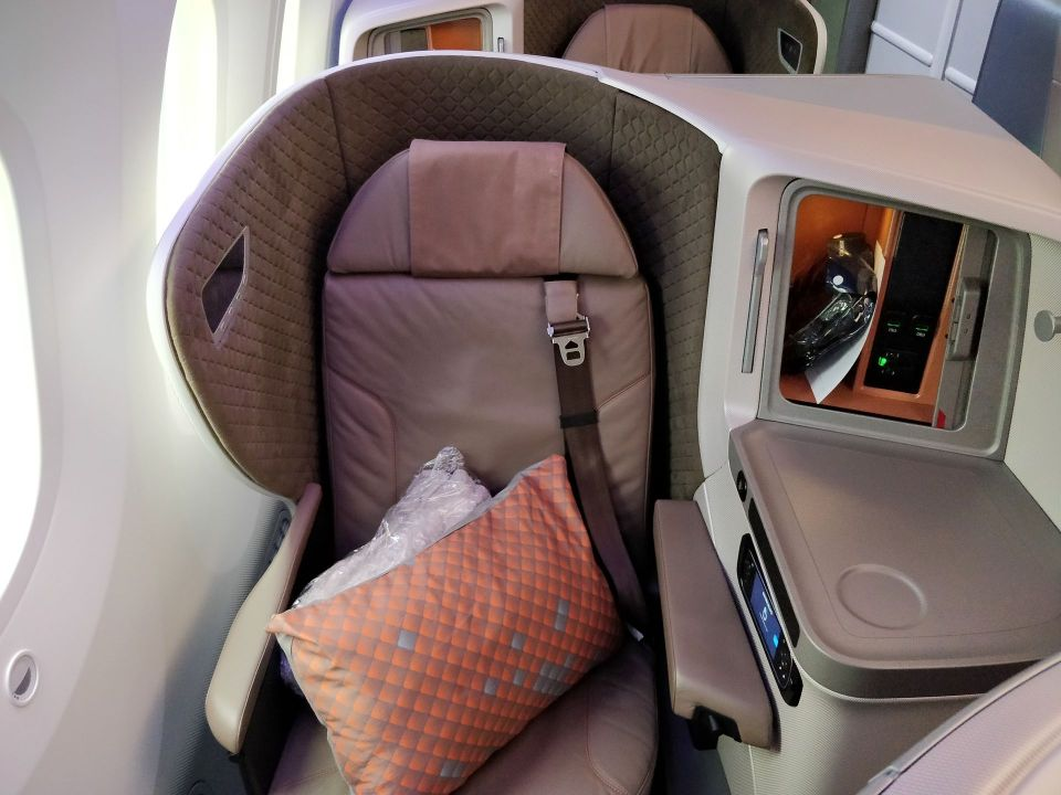 Singapore Airlines Business Class Boeing 787-10 Seat