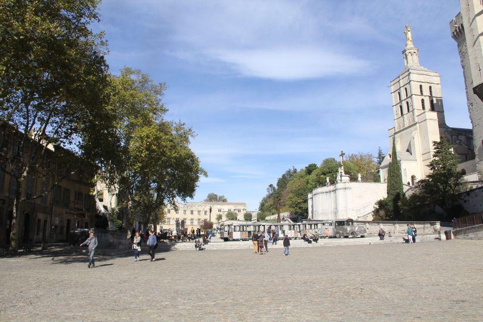 Place du Palais Avignon