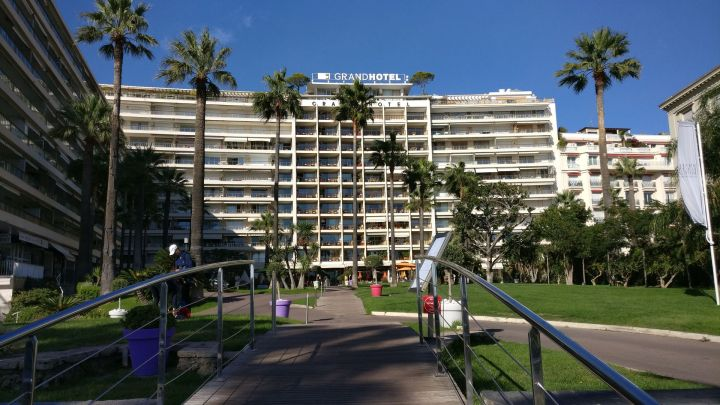 Grand Hotel Cannes Building