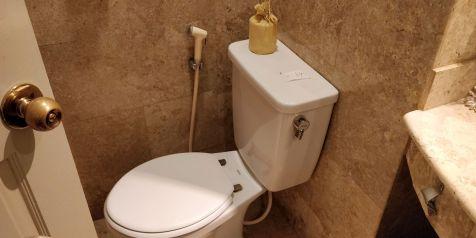 phoenix hotel yogyakarta legacy room bathroom