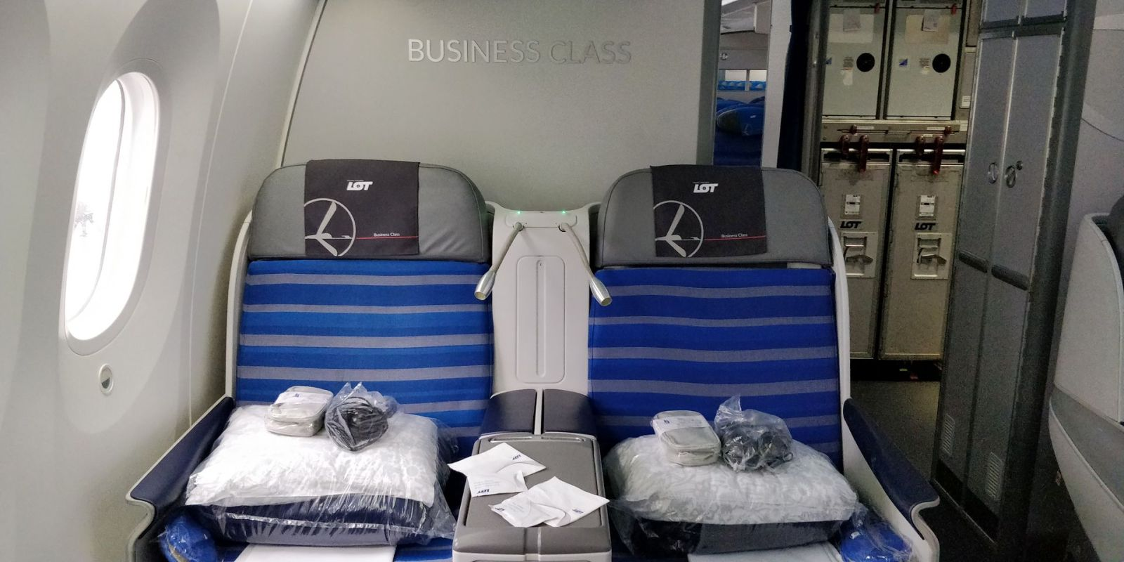 LOT long haul Business Class Seat