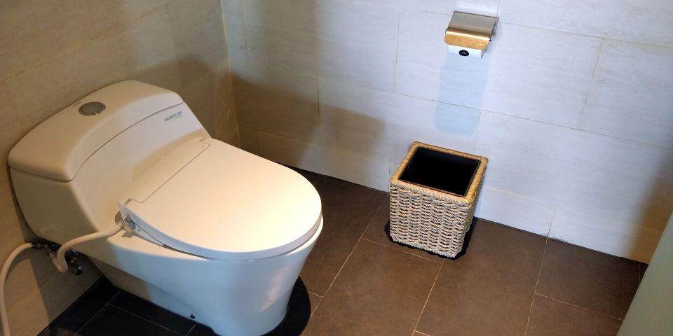 Renaissance Bali Uluwatu Suite Bathroom