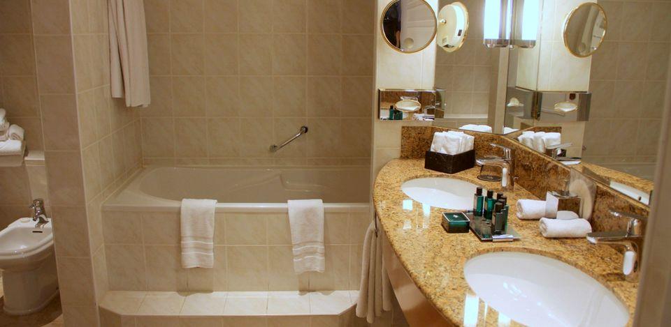 Sofitel Strasbourg Imperial Suite Bathroom