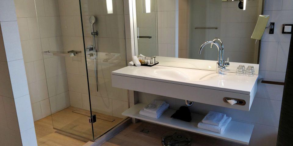 Radisson Collection Hotel Old Mill Belgrade Executive Room Bathroom