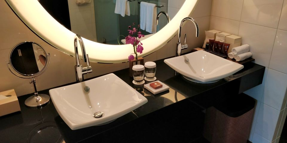 Conrad Tokio Bay View Suite Bathroom