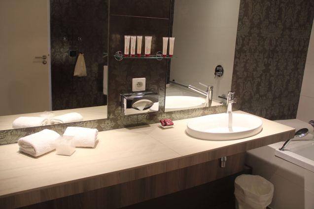 Golf du Medoc Resort Suite Bathroom 4