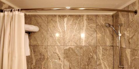 Hilton Singapore Bathroom