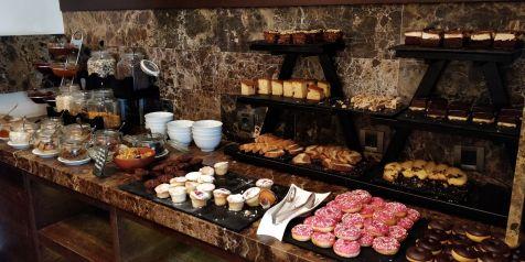 Hotel Metropol Palace Belgrade Breakfast