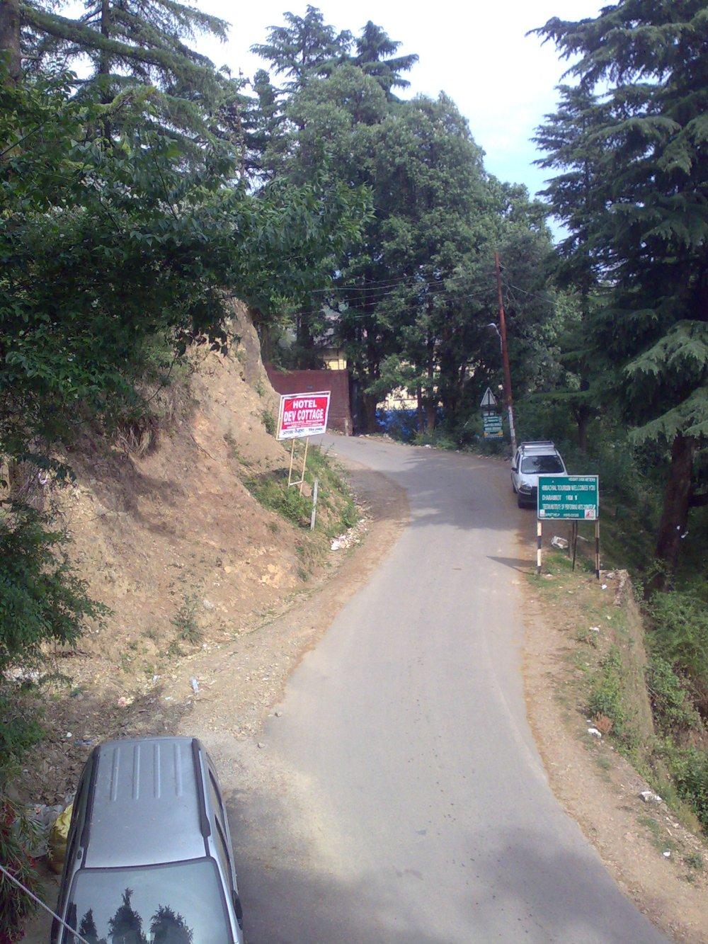 The winding roads, Macleodgang, Himachal Pradesh, India