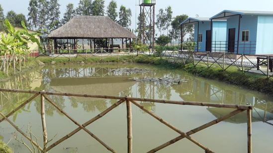 Kaikhali Farm House