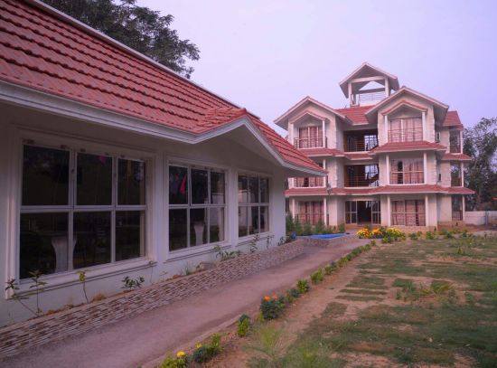 Baranti Lake View Resort