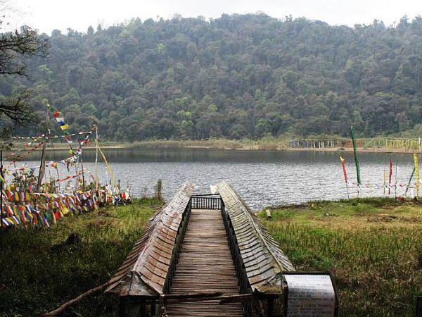 khechuperi lake west sikkim