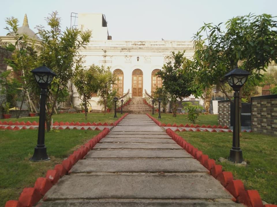 Rashbari Homestay,belur