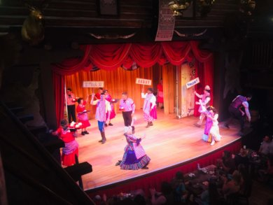 Orlando Itinerary: Stage performance and dancers