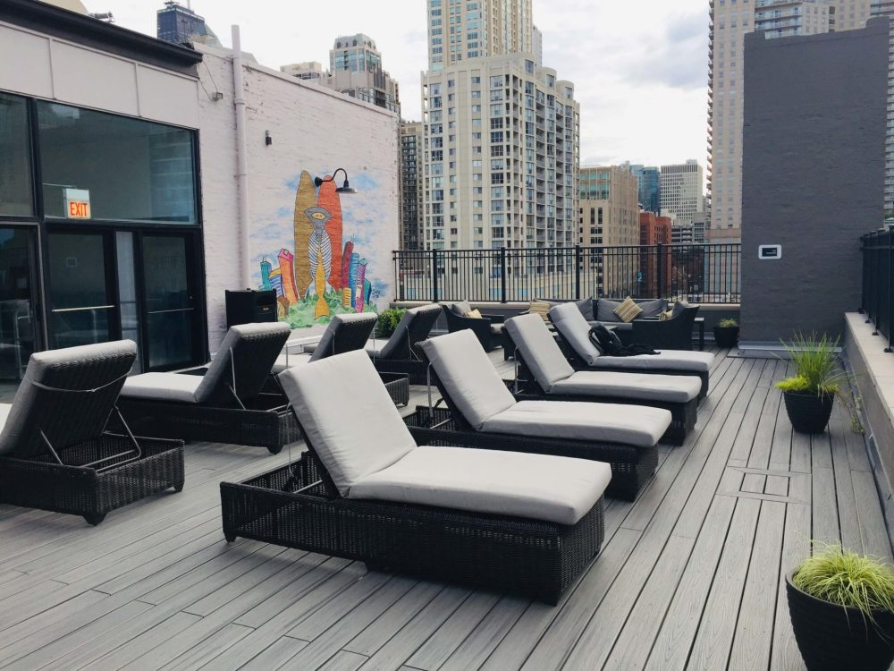 Chicago 3 day itinerary featured by top US family travel blog, Travel with a Plan: image of Chicago Best Western rooftop deck