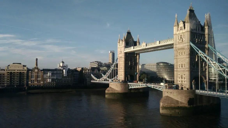 london tower bridge hotel view
