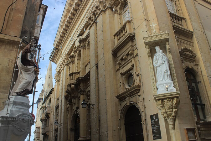 Religious statues on the streets of Valletta