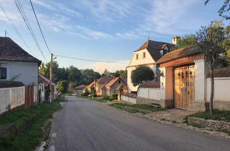 Strada principala din Miclosoara, Covasna