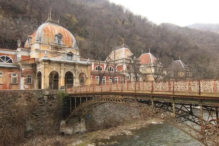 Băile Austriece Imperiale și Podul de Fontă