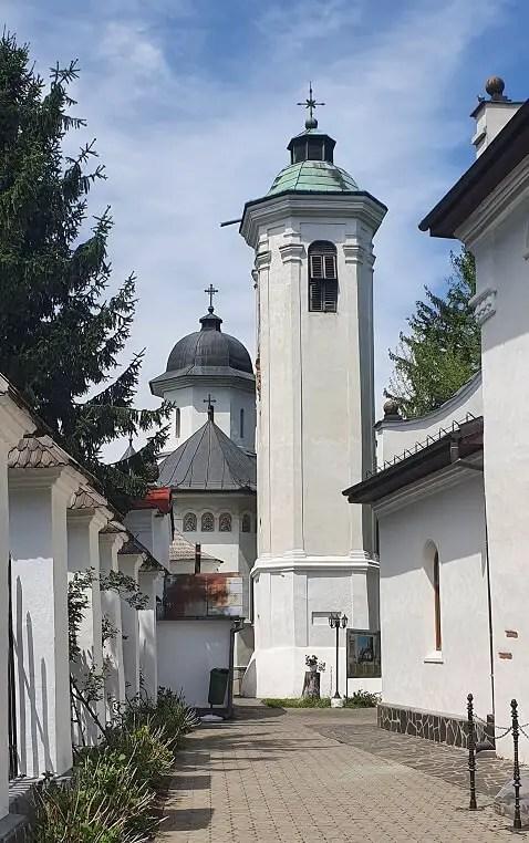Manastirea Hodos-Bodrog, obiective turistice din judetul Arad