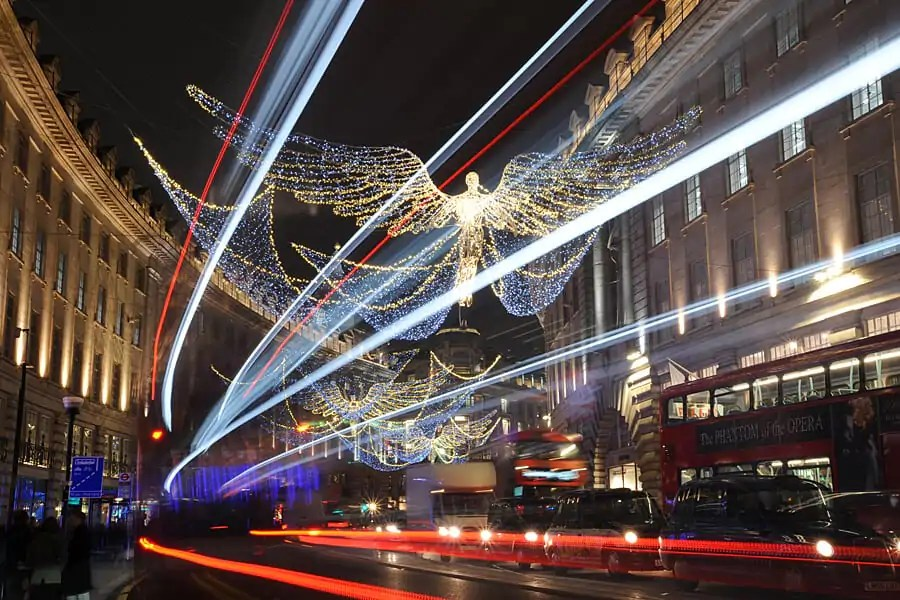 Photographng light trails at night in London