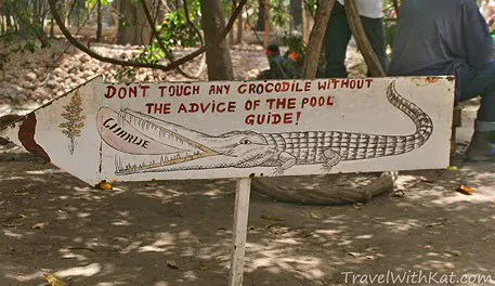 Croc-sign1