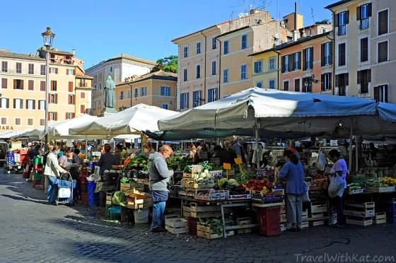 Best food in Rome at the Campo dei Fiori market