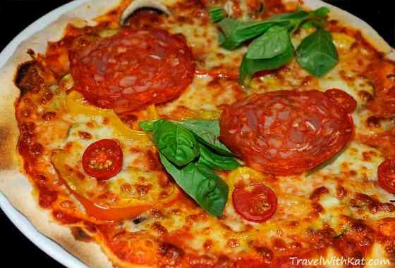 Pizza recipe from Rome, Italy