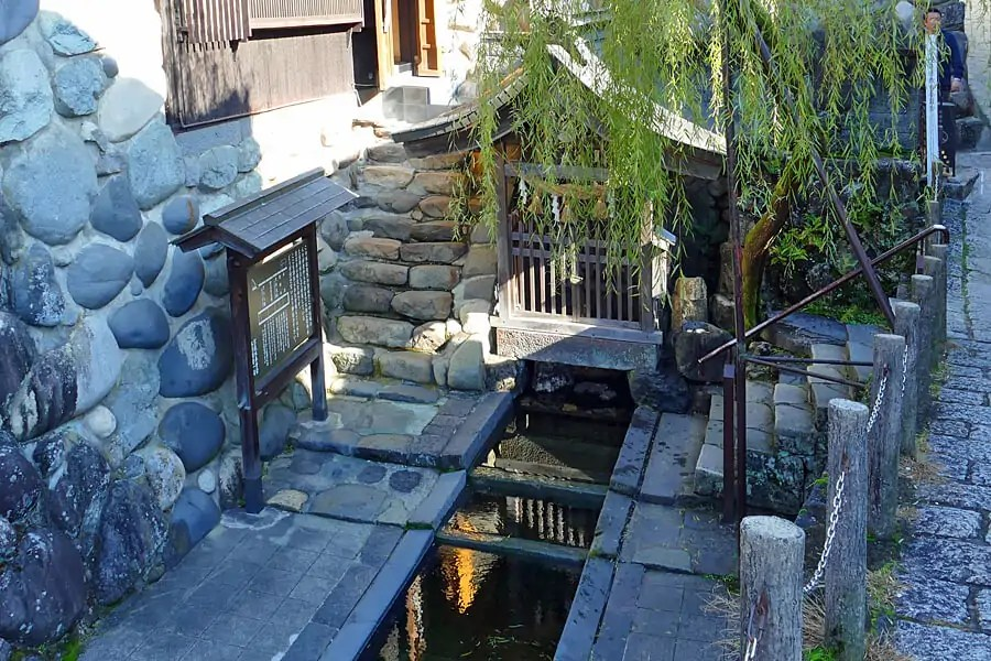 Sogi-Sui Shrine, where a natural spring is the source of the town's water