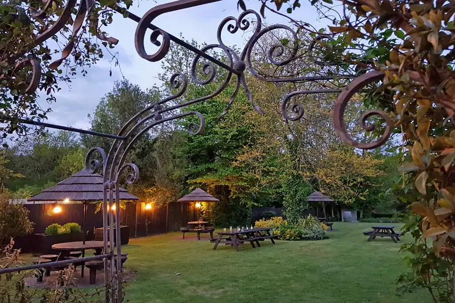 Where to stay in the New Forest - The Bell Inn, New Forest, Hampshire, England