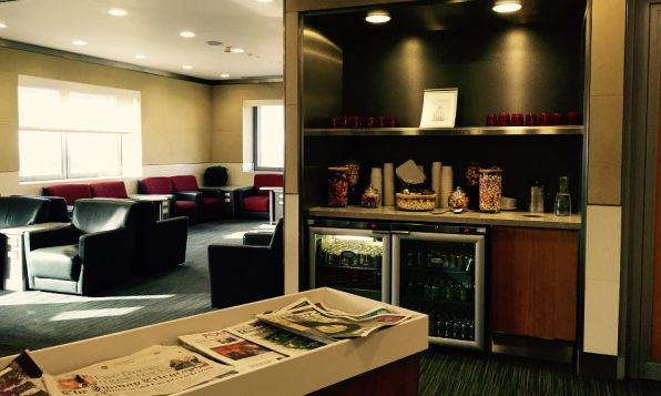 American Airlines Admirals Club London Heathrow T3 Candy