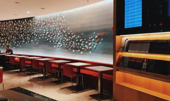 Air Canada Maple Leaf Lounge Frankfurt Blick zum Essbereich