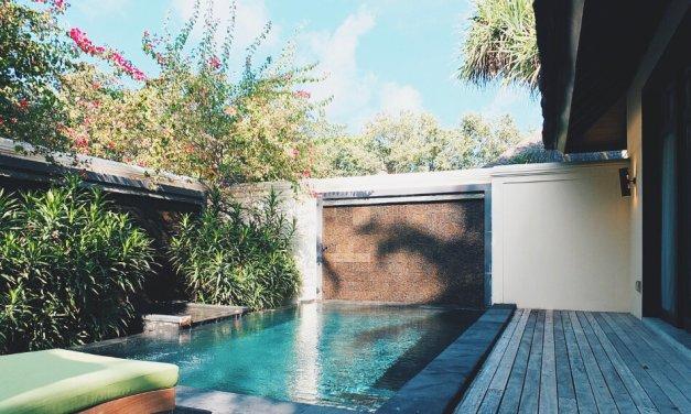 Review JA Manafaru Maldives Private Swimmingpool Wasserwand
