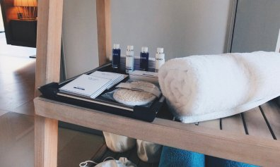 Review JA Manafaru Maldives Badezimmer Amenities Elemis