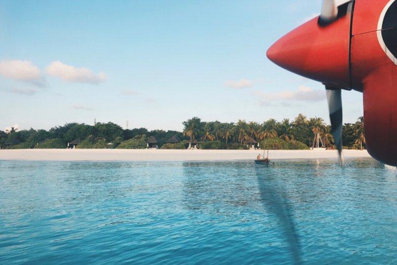Review JA Manafaru Maldives Wasserflugzeug Transfer
